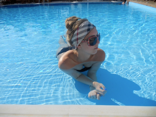 poolswimming